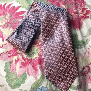 GEOFFREY BEENE 100% silk Tie GRAY + 🍊 circle $128